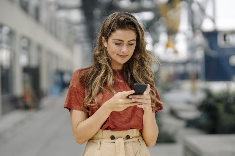 Smartphone có thể 'lấy đi' gần 9 năm cuộc đời của bạn Ảnh 2