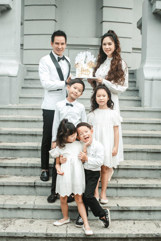 Lý Hải - Minh Hà kỷ niệm 10 năm ngày cưới, chia sẻ câu chuyện 'dở khóc dở cười' trong hôn lễ Ảnh 5