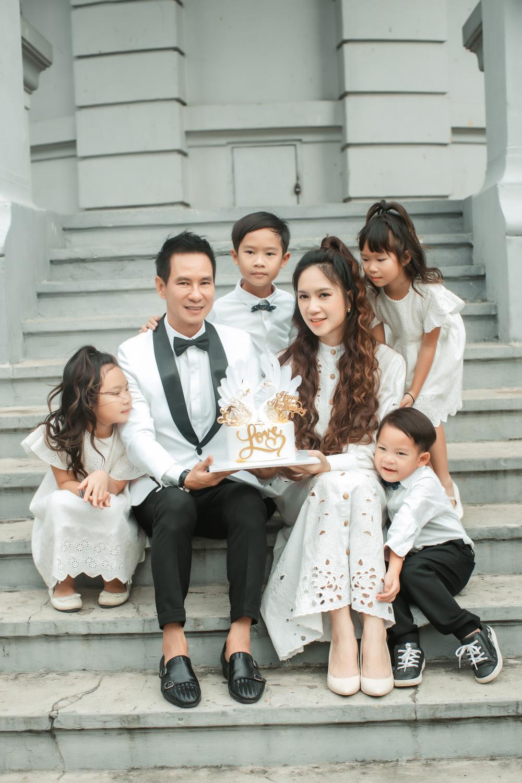 Lý Hải - Minh Hà kỷ niệm 10 năm ngày cưới, chia sẻ câu chuyện 'dở khóc dở cười' trong hôn lễ Ảnh 2