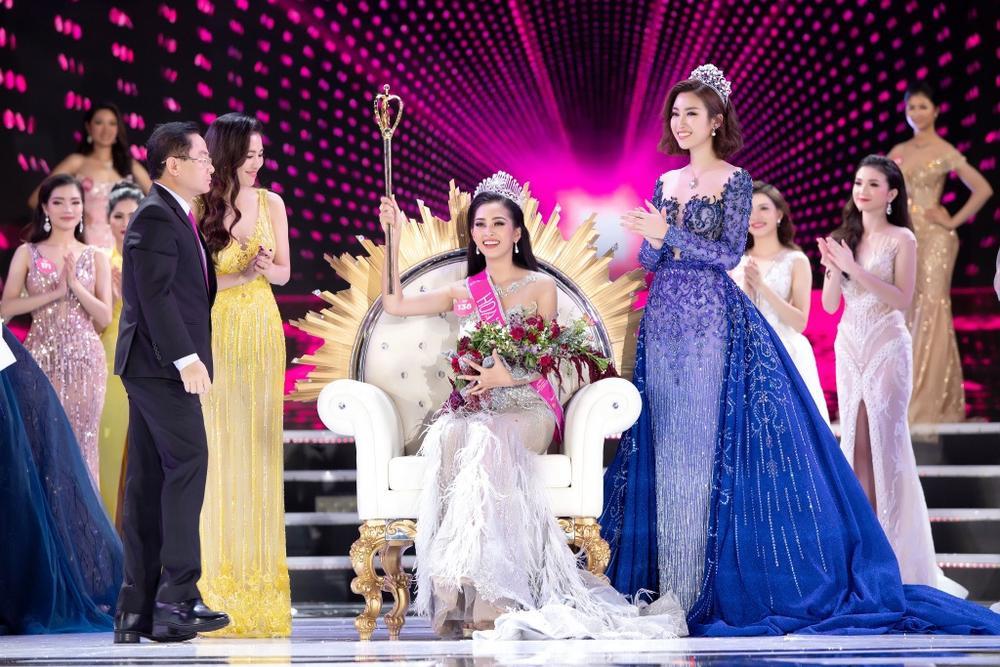 Final walk đẫm nước mắt của Hoa hậu Việt, H'Hen Niê làm fan quốc tế chao đảo Ảnh 4