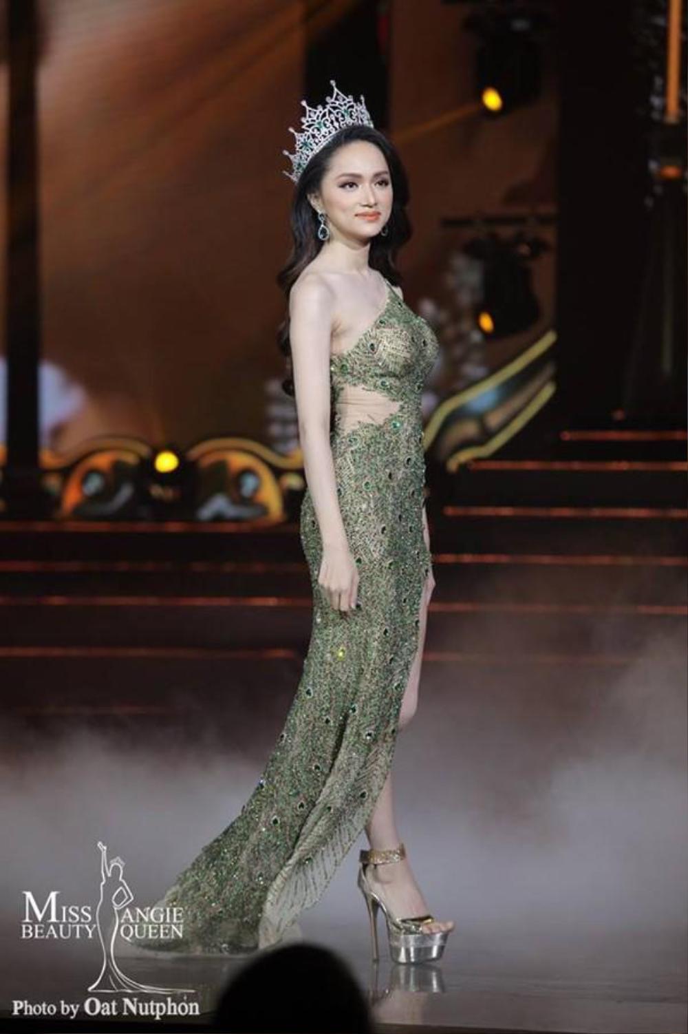 Final walk đẫm nước mắt của Hoa hậu Việt, H'Hen Niê làm fan quốc tế chao đảo Ảnh 13