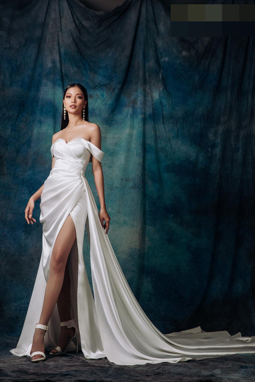 Lâm Bích Tuyền hóa nữ thần lộng lẫy, gợi ý loạt trang phục dạ hội cuối năm Ảnh 1