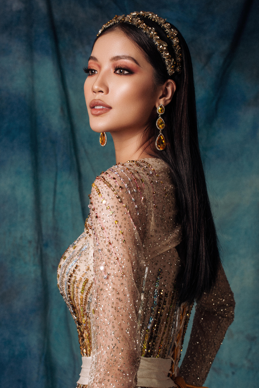 Lâm Bích Tuyền hóa nữ thần lộng lẫy, gợi ý loạt trang phục dạ hội cuối năm Ảnh 8