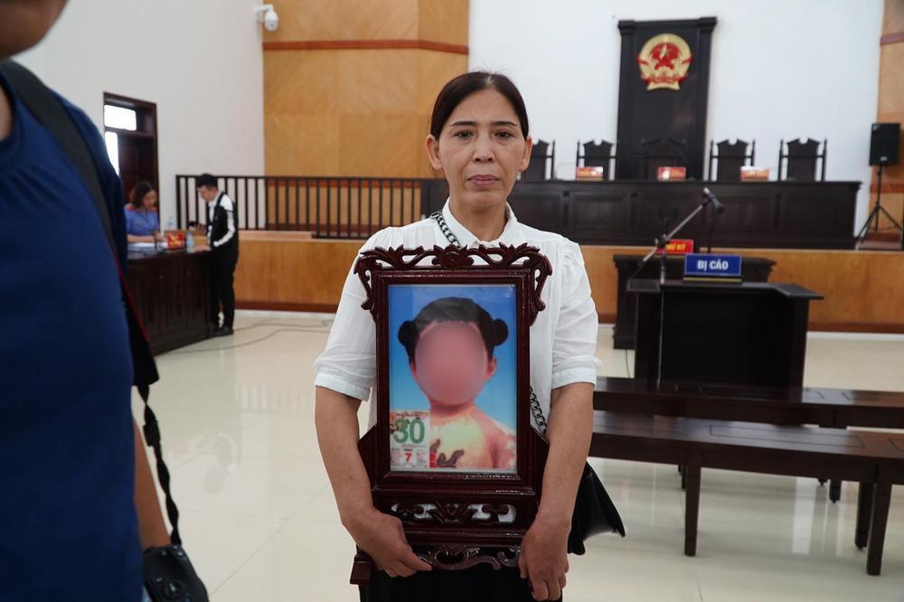 Lời xin lỗi muộn màng của người mẹ bạo hành con gái 3 tuổi tử vong: 'Mong linh hồn con siêu thoát' Ảnh 5
