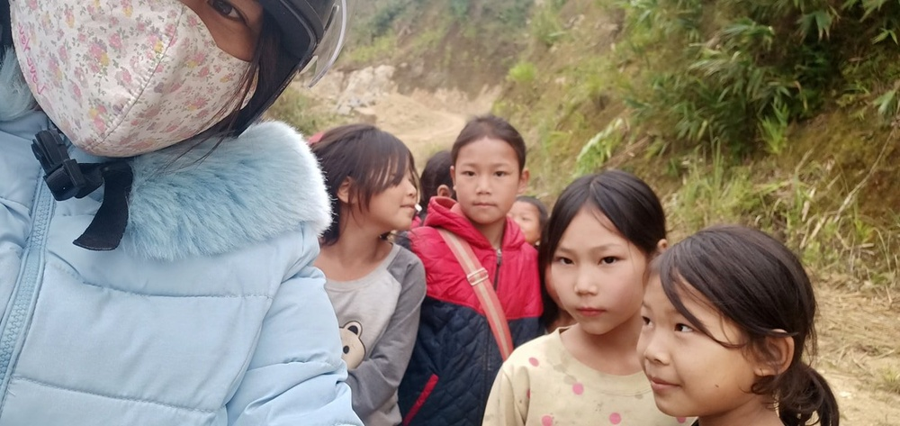Những hồi ức đáng nhớ của nữ giáo viên 12 năm cùng học trò trèo đèo lội suối 'gieo con chữ' nơi vùng cao Ảnh 2