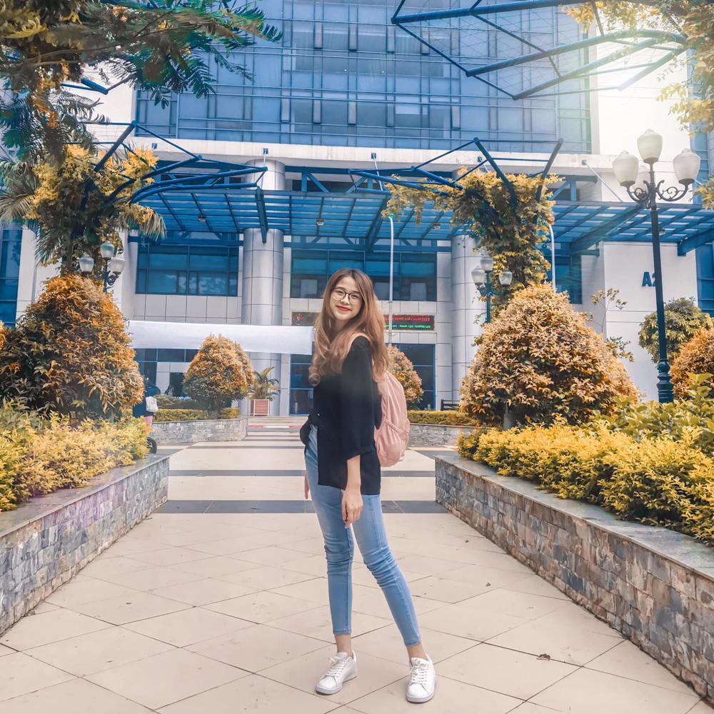 Thời trang streetstyle trẻ trung của Tân Hoa hậu Việt Nam Đỗ Thị Hà Ảnh 5