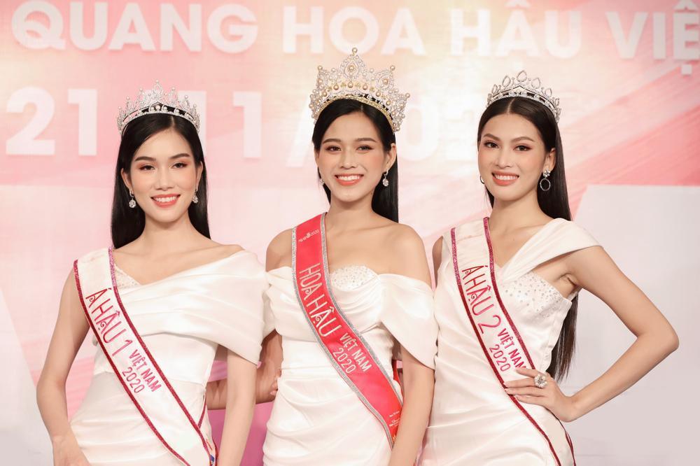 Hoa hậu Đỗ Thị Hà và 2 á hậu Phương Anh - Ngọc Thảo 'đọ trình' tiếng Anh, sẵn sàng thi quốc tế Ảnh 14