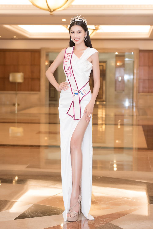 Hoa hậu Đỗ Thị Hà và 2 á hậu Phương Anh - Ngọc Thảo 'đọ trình' tiếng Anh, sẵn sàng thi quốc tế Ảnh 8