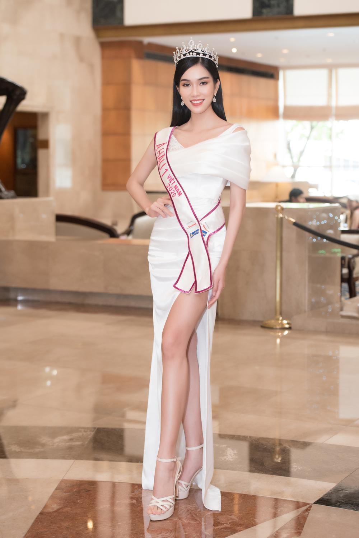 Hoa hậu Đỗ Thị Hà và 2 á hậu Phương Anh - Ngọc Thảo 'đọ trình' tiếng Anh, sẵn sàng thi quốc tế Ảnh 6