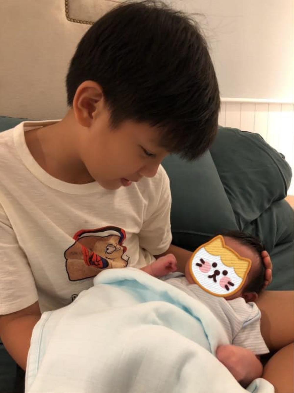 Chưa đầy tháng, Hà Hồ đã chi tiền tỷ cho Leon và Lisa, gần bằng 2 năm học phí của Subeo Ảnh 9