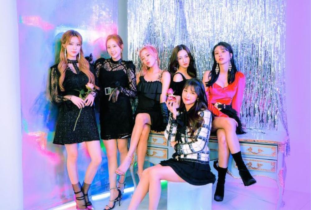 Tiết lộ 50 ca sĩ Kpop chạy quảng cáo MV để lấy view: Ha Sung Woon ăn tới 98%, BTS - TWICE thì sao? Ảnh 2