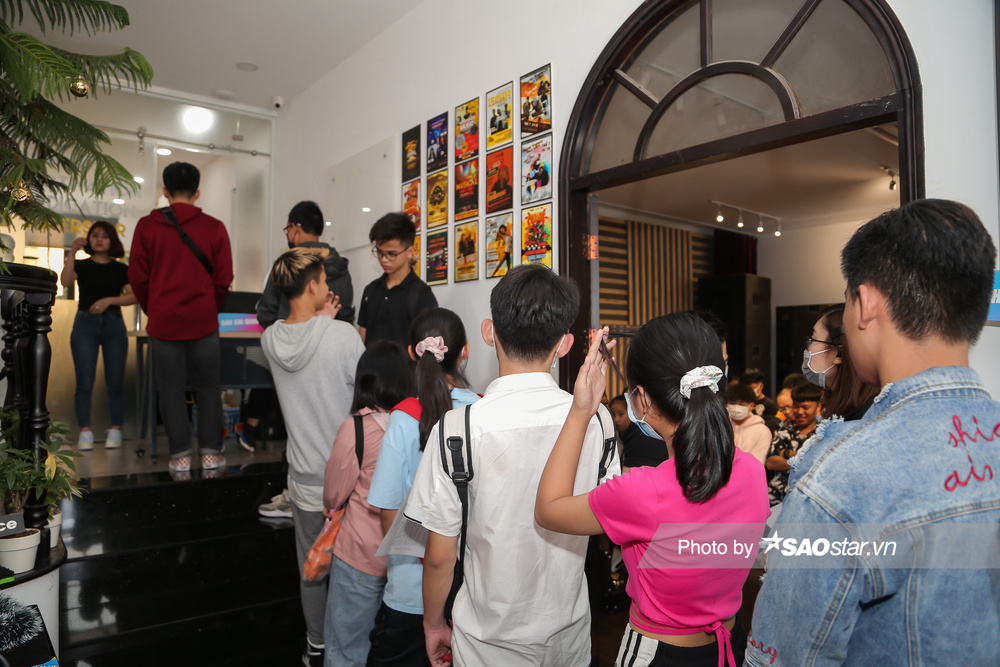 Hàng trăm thí sinh dưới 16 tuổi vây kín khu casting Giọng hát Việt nhí 2021: New Generation tại TP.HCM Ảnh 6