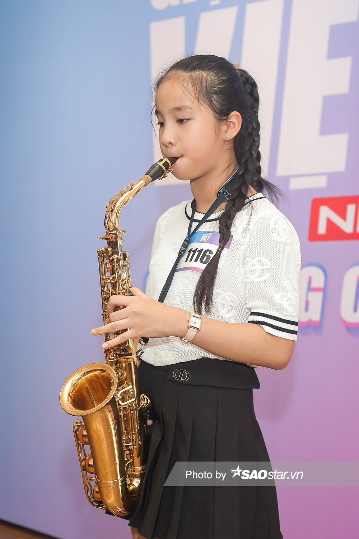 Hàng trăm thí sinh dưới 16 tuổi vây kín khu casting Giọng hát Việt nhí 2021: New Generation tại TP.HCM Ảnh 4