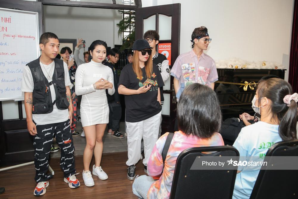 Hàng trăm thí sinh dưới 16 tuổi vây kín khu casting Giọng hát Việt nhí 2021: New Generation tại TP.HCM Ảnh 5