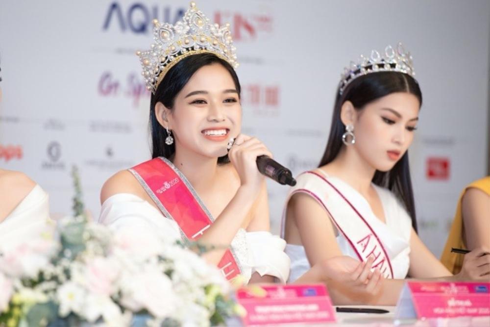 Tân Hoa hậu Đỗ Thị Hà bị soi hàm răng kém xinh giống Đỗ Mỹ Linh ngày mới đăng quang Ảnh 1