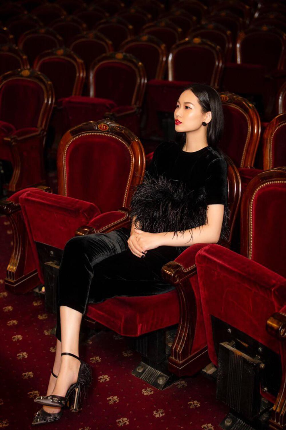Thu/đông 2020: Fashionista khắp thế giới rộn ràng trong bữa tiệc thời trang lông vũ Ảnh 4