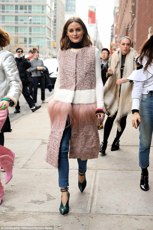 Thu/đông 2020: Fashionista khắp thế giới rộn ràng trong bữa tiệc thời trang lông vũ Ảnh 16
