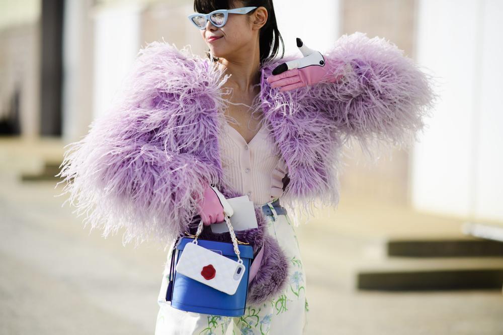 Thu/đông 2020: Fashionista khắp thế giới rộn ràng trong bữa tiệc thời trang lông vũ Ảnh 24