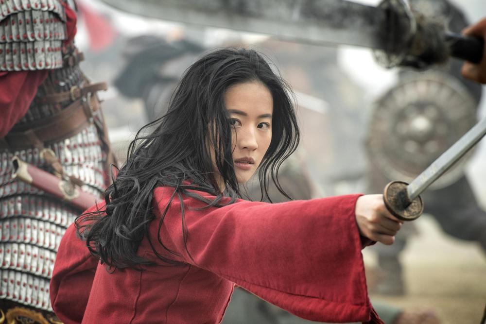 Bị chỉ trích diễn xuất trong 'Hoa Mộc Lan', Lưu Diệc Phi được đạo diễn Trương Kỷ Trung lên tiếng bảo vệ Ảnh 3