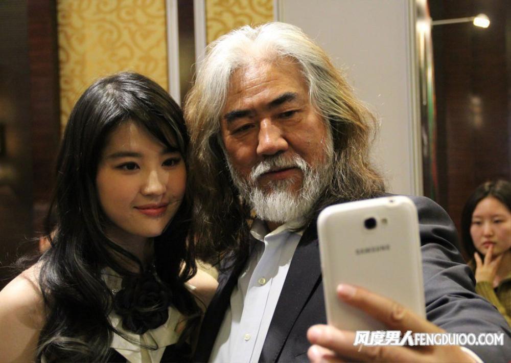 Bị chỉ trích diễn xuất trong 'Hoa Mộc Lan', Lưu Diệc Phi được đạo diễn Trương Kỷ Trung lên tiếng bảo vệ Ảnh 6