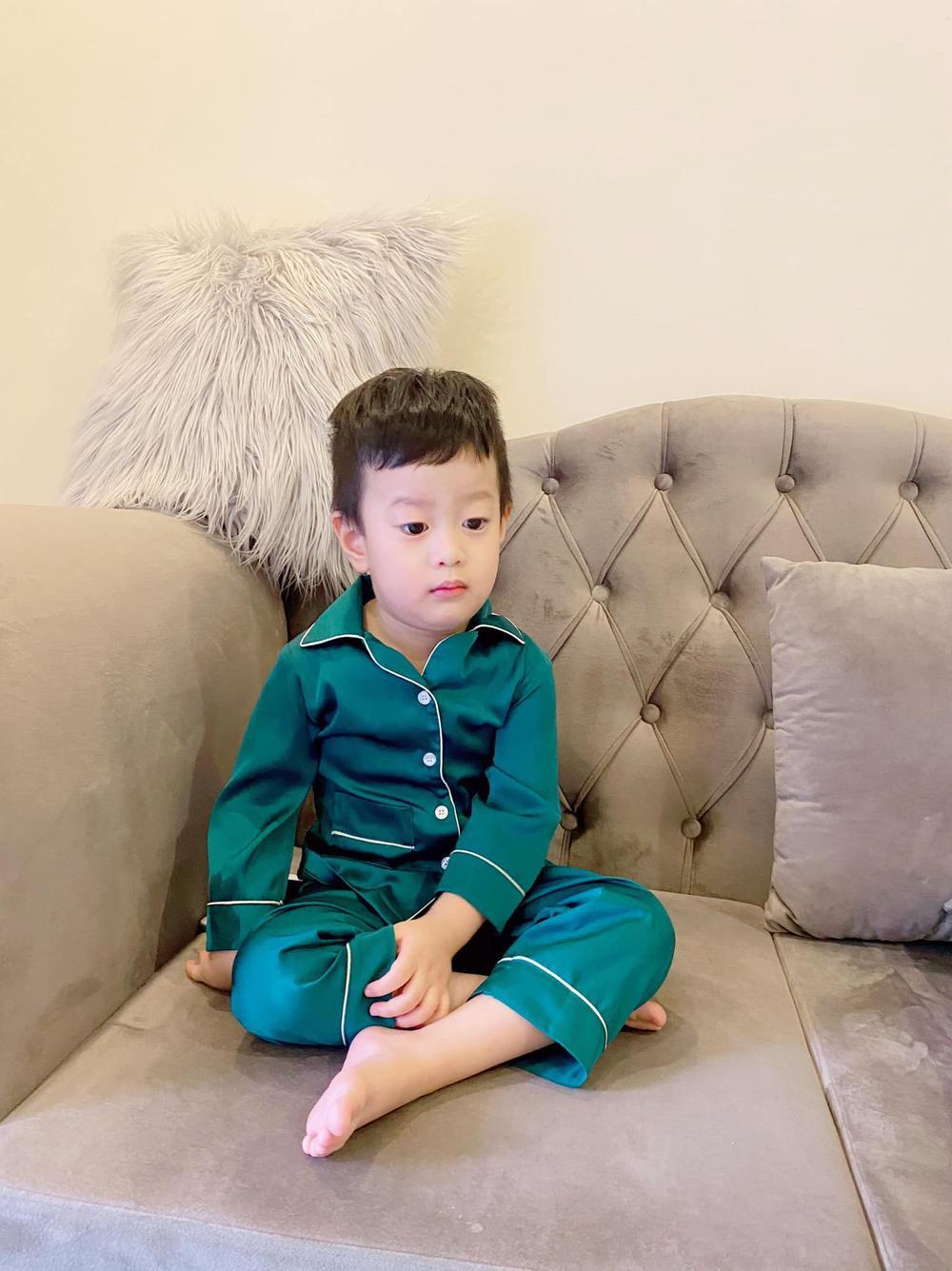 Từng căng thẳng hậu ly hôn, nay Việt Anh đã thoải mái qua nhà vợ cũ phụ chăm con trai Ảnh 4