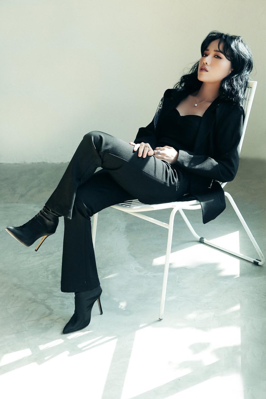 Hé lộ tạo hình rất Britney Spears của Phùng Khánh Linh trong single mới trước thềm ra mắt album Yesterday Ảnh 3