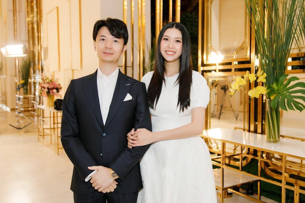 Con trai Á hậu Thúy Vân gây bão mạng xã hội với khoảnh khắc bàn tay điệu nghệ Ảnh 5
