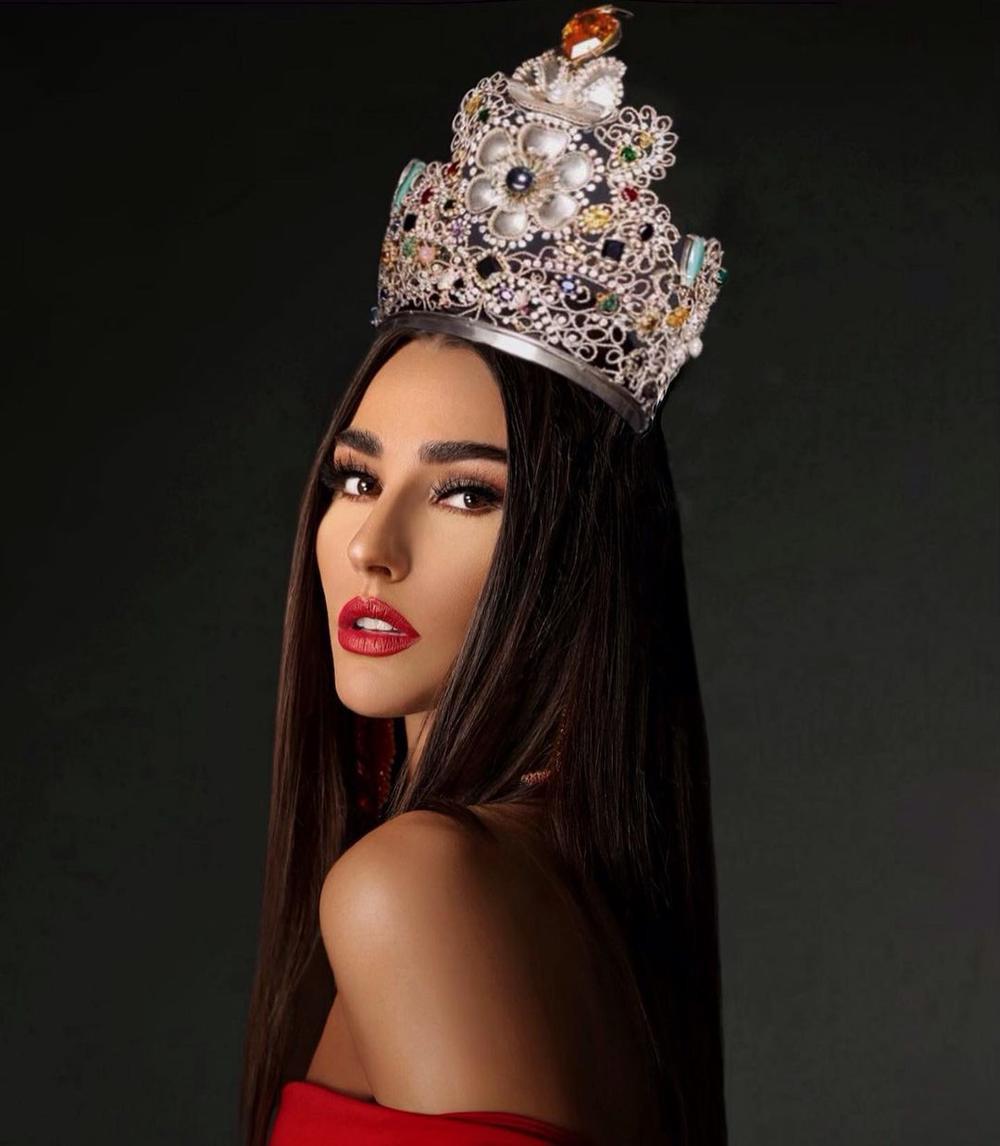 Tan chảy trước nhan sắc Tân Hoa hậu Trái đất: Thần thái nữ hoàng, body chuẩn siêu mẫu Ảnh 2