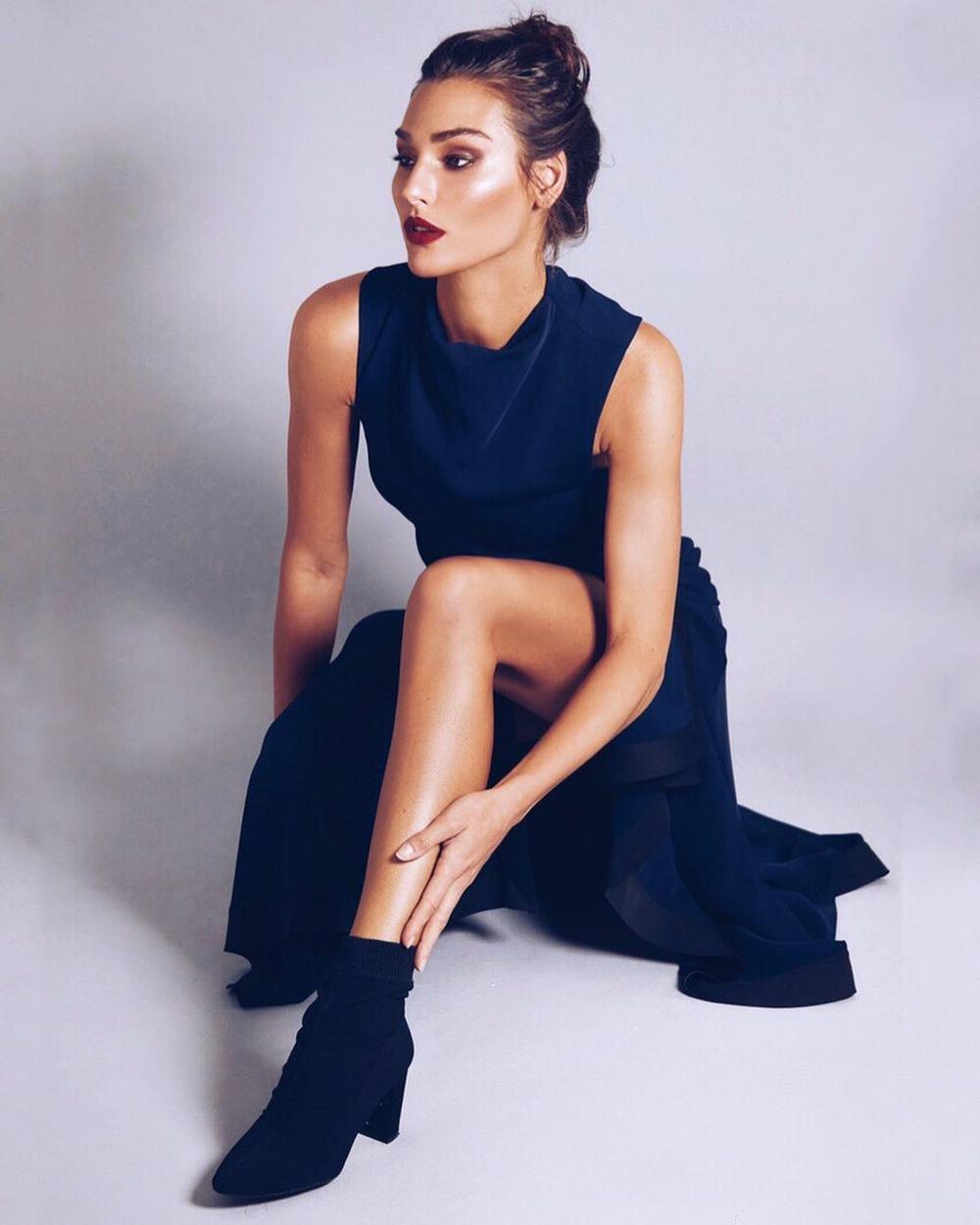 Tan chảy trước nhan sắc Tân Hoa hậu Trái đất: Thần thái nữ hoàng, body chuẩn siêu mẫu Ảnh 10