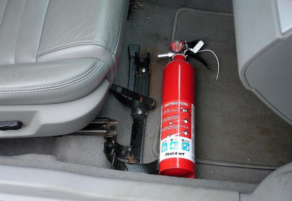 Bỏ quy định phải lắp bình cứu hỏa với ô tô dưới 9 chỗ Ảnh 3