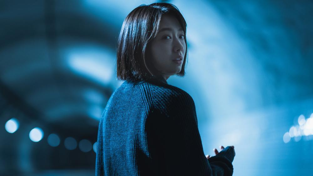 Review 'The Call': Cú lột xác của Park Shin Hye hay bom tấn kinh dị phi logic Ảnh 3