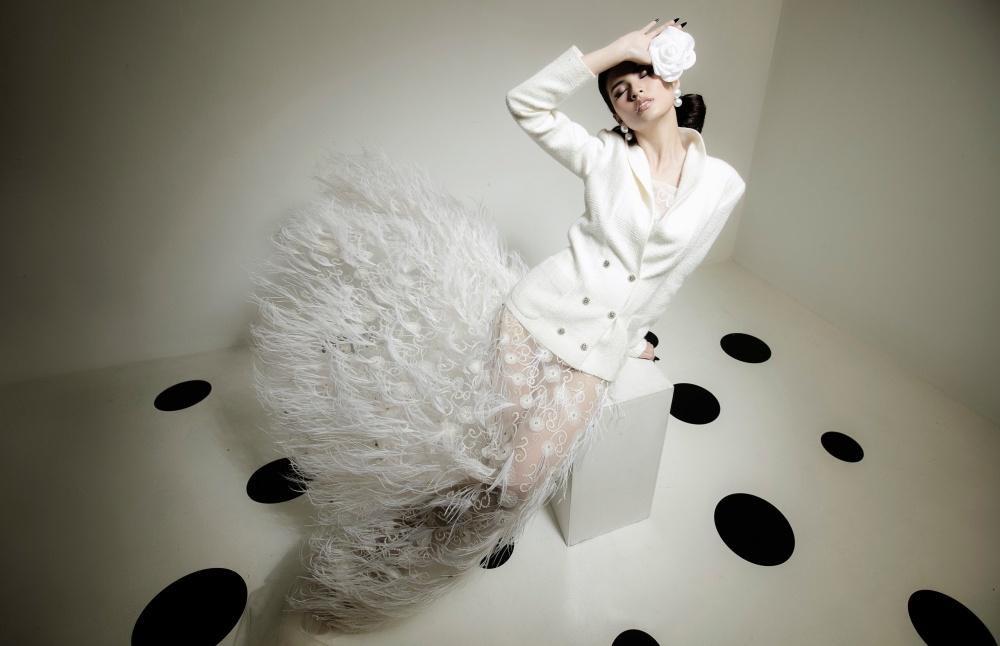 Cao Thiên Trang hóa quý cô Pháp thanh lịch cùng cặp màu đen, trắng kinh điển Ảnh 10