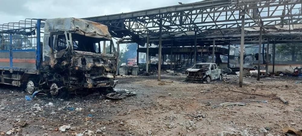 Xe chở pháo lậu ngờ phát nổ bốc cháy kinh hoàng, 2 người chết, 6 người bị thương Ảnh 3