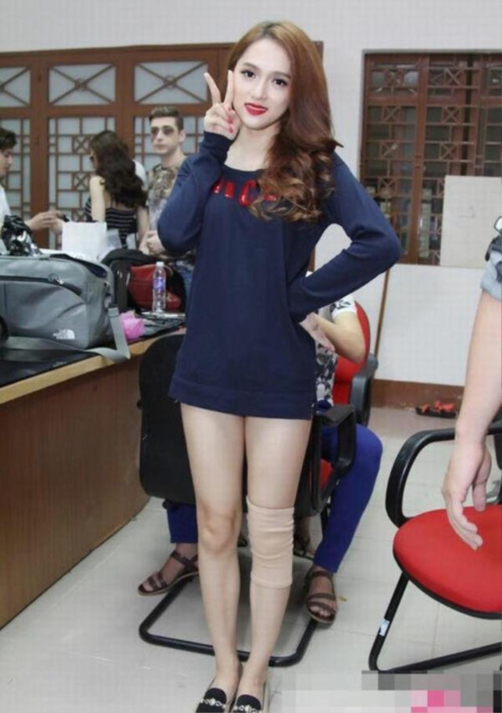 Sao Việt mặc giấu quần: Lan Ngọc, Nhã Phương gợi cảm hết nấc, Midu trẻ trung bất chấp Ảnh 11