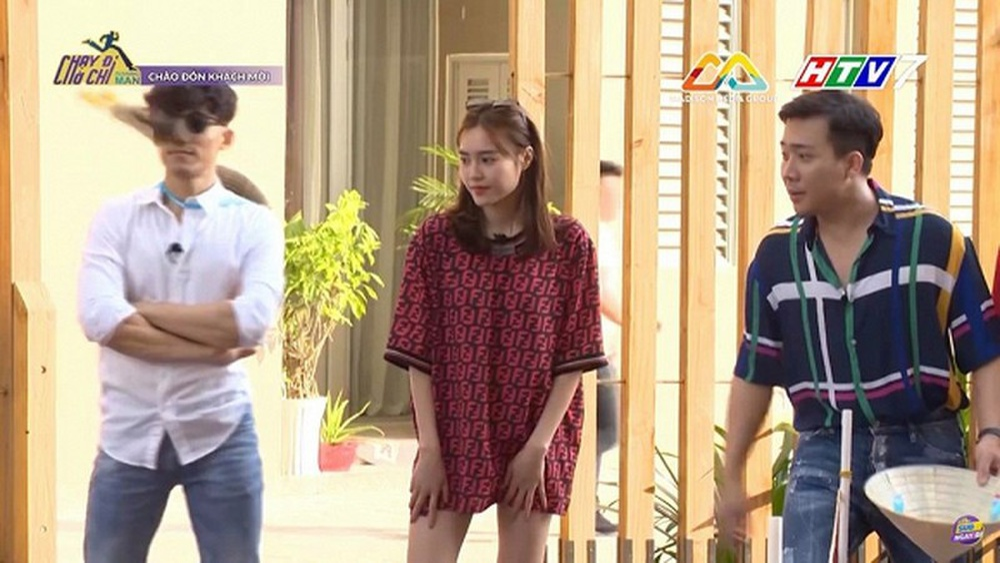 Sao Việt mặc giấu quần: Lan Ngọc, Nhã Phương gợi cảm hết nấc, Midu trẻ trung bất chấp Ảnh 2