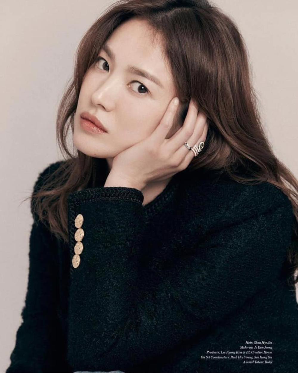 Nữ thần sắc đẹp Song Hye Kyo đụng hàng Lisa Black Pink, khó lòng phân định ai hơn ai Ảnh 2