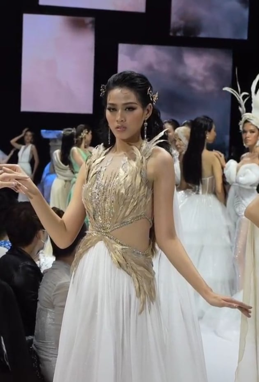Hóa nữ thần nhưng Đỗ Thị Hà lại lộ vẻ mệt mỏi, kém sắc khiến fans lo lắng Ảnh 2