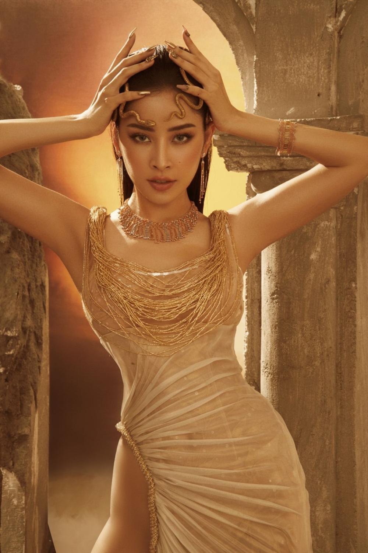 Hoa hậu Tiểu Vy mặc đầm hiểm hóc, ai cũng giật mình tưởng xuyên thấu vòng 1 Ảnh 8