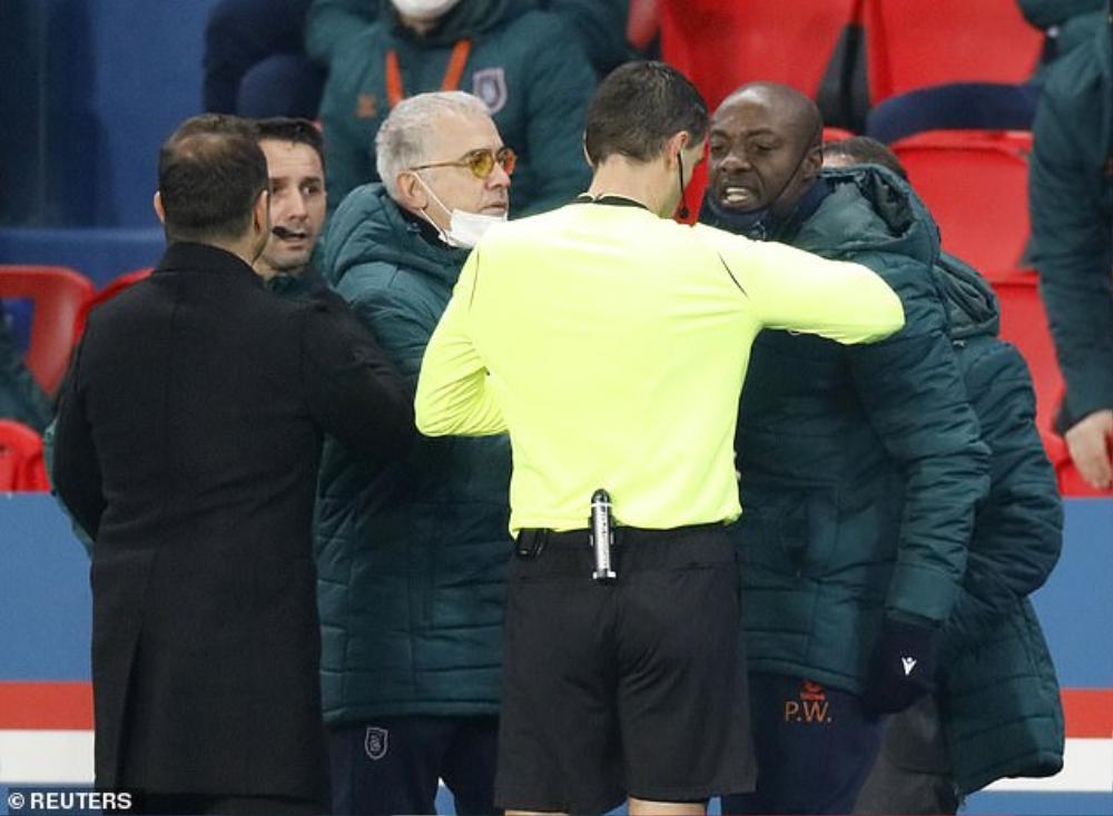 Trọng tài phân biệt chủng tộc, trận PSG vs Basaksehir bị hoãn sau 13 phút Ảnh 2