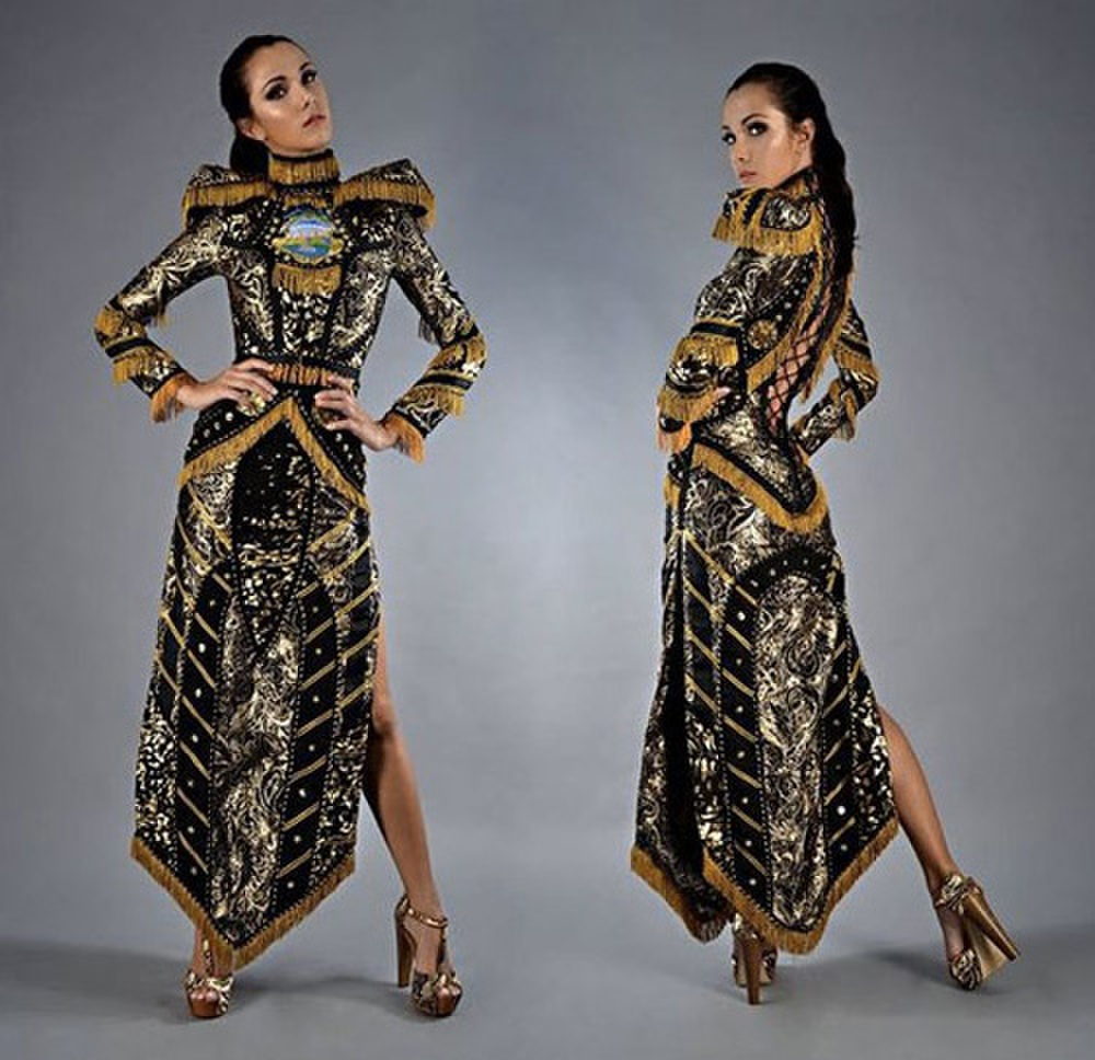 Trang phục dân tộc bị tẩy chay ở Miss Universe: Bộ như phim 18+, bộ vi phạm luật pháp Ảnh 9