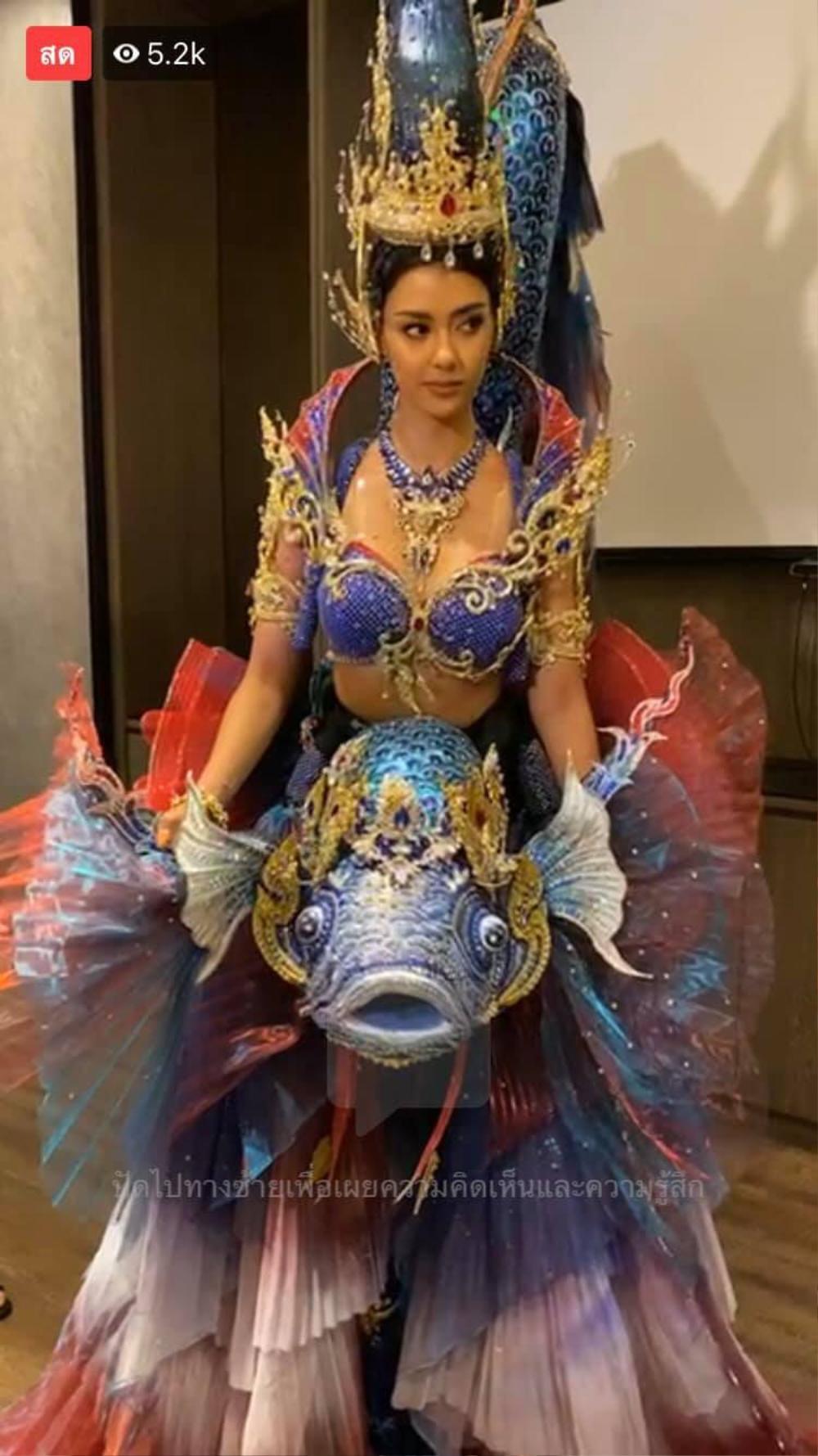 Hoa hậu Hoàn vũ Thái Lan gây tranh cãi khi mang trang phục dân tộc bầu ngực trần tới Miss Universe 2020 Ảnh 4
