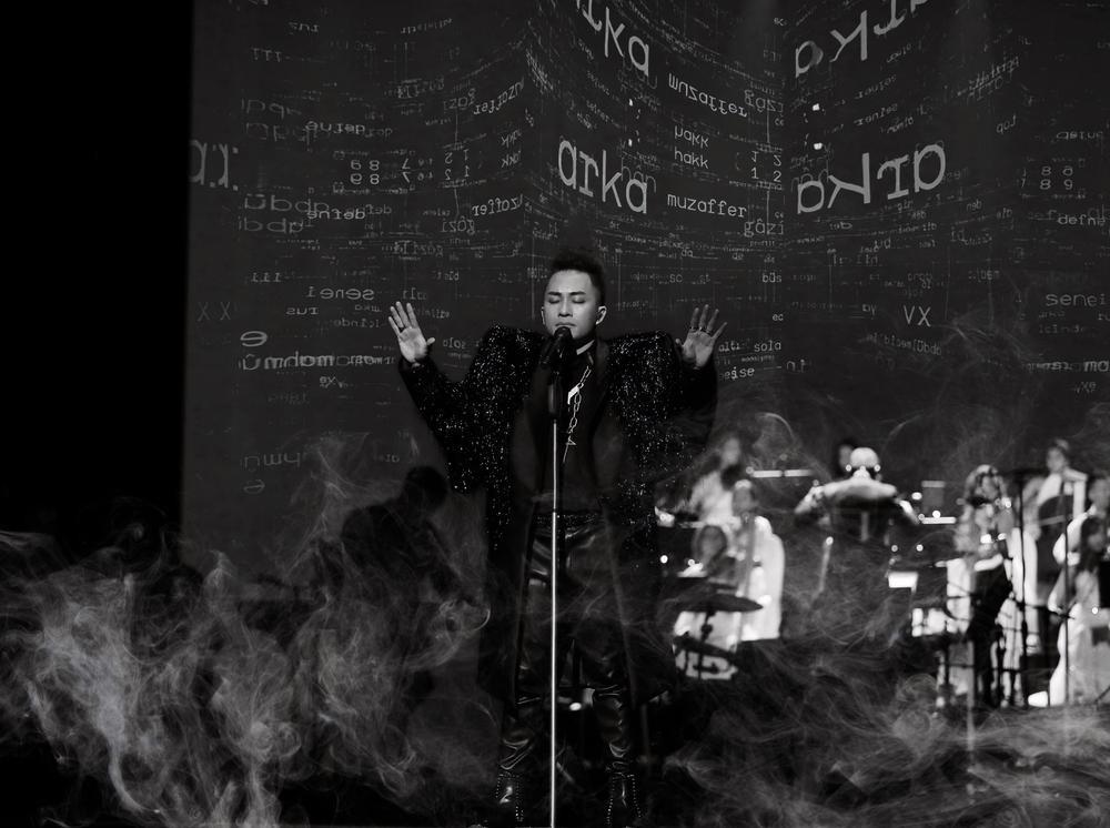NTK tiết lộ mất 6 tháng để làm hình ảnh 'quái' cho concert của Tùng Dương Ảnh 5
