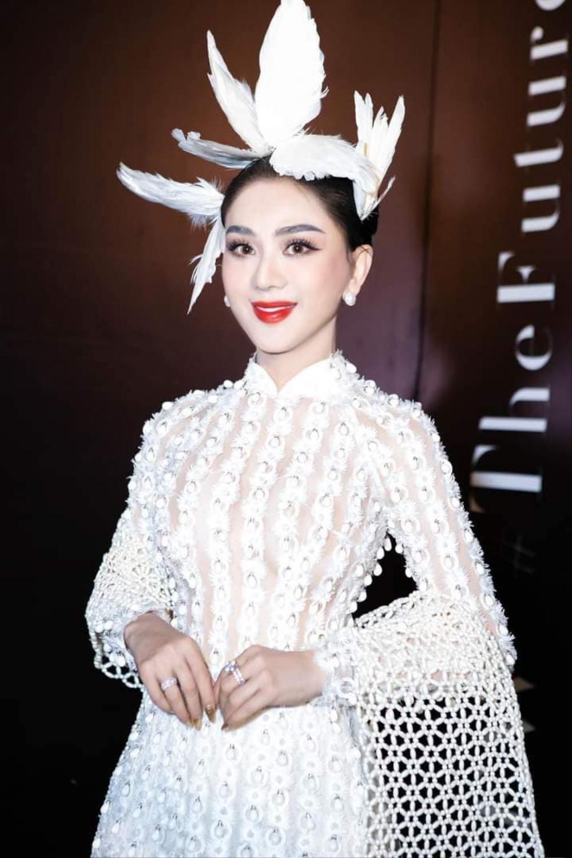 Lâm Khánh Chi mặc đầm xẻ đến hông, xinh đẹp rạng rỡ đạp tan tin đồn chỉnh sửa nát mặt Ảnh 8
