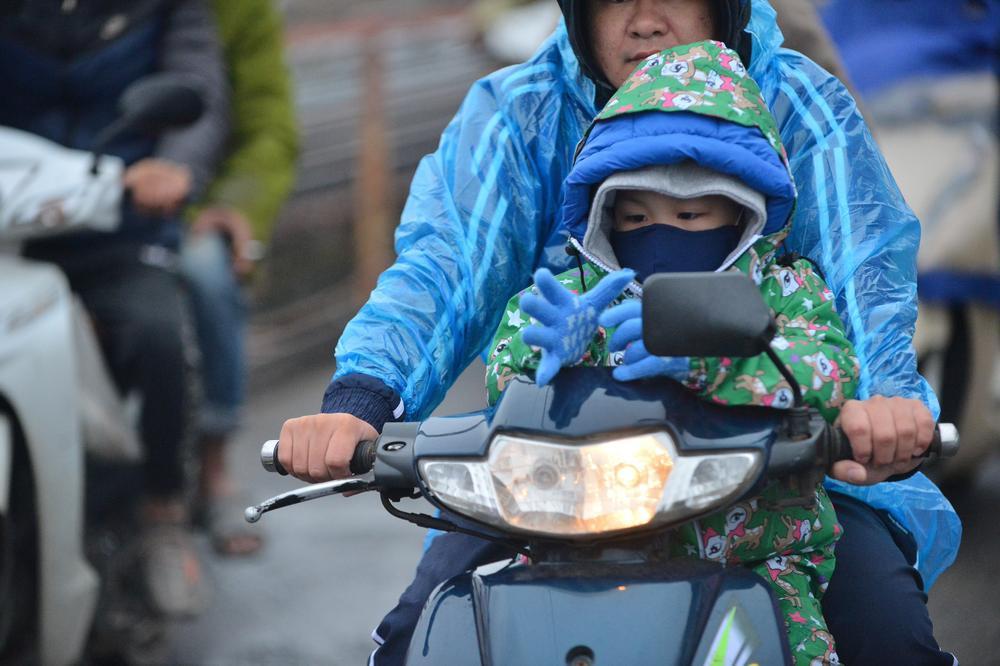 Bộ Y tế gửi công điện khẩn đề nghị người dân bảo đảm an toàn, giữ ấm phòng chống rét đậm, rét hại Ảnh 5