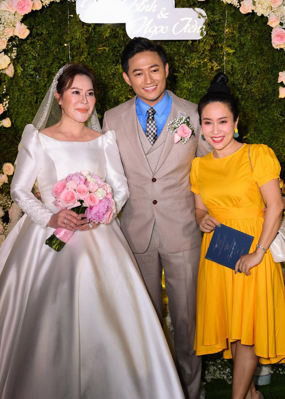 Quách Ngọc Ngoan, Quý Bình sống hạnh phúc, nhà cao cửa rộng sau khi lấy vợ đại gia hơn tuổi Ảnh 2