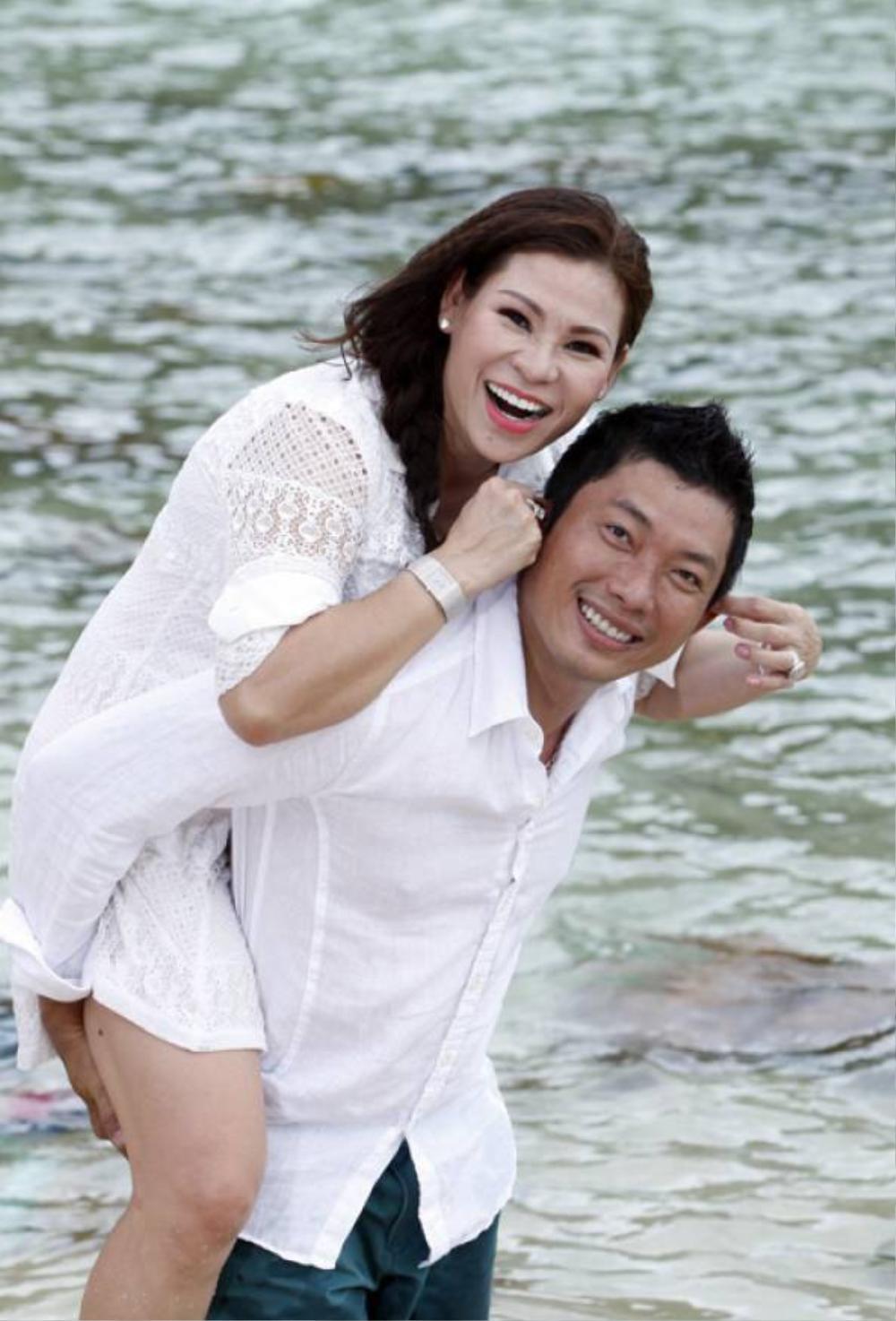 Quách Ngọc Ngoan, Quý Bình sống hạnh phúc, nhà cao cửa rộng sau khi lấy vợ đại gia hơn tuổi Ảnh 16