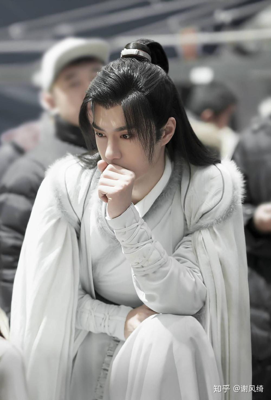 Hết Tiêu Chiến, đến lượt fan Vương Nhất Bác gây tranh cãi vì ép học sinh coi Hữu phỉ ủng hộ thần tượng Ảnh 1
