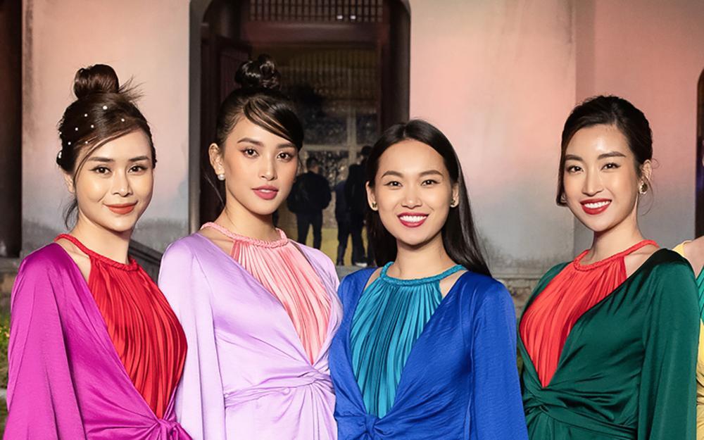 Tiểu Vy, Đỗ Mỹ Linh, Tống Diệu Hằng khoe sắc thắm thiết với váy tứ thân mớ ba mớ bảy Ảnh 1