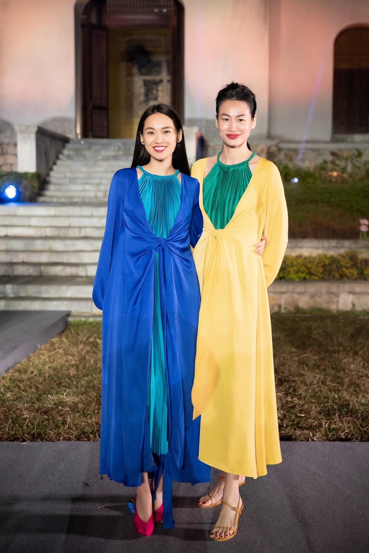 Tiểu Vy, Đỗ Mỹ Linh, Tống Diệu Hằng khoe sắc thắm thiết với váy tứ thân mớ ba mớ bảy Ảnh 7