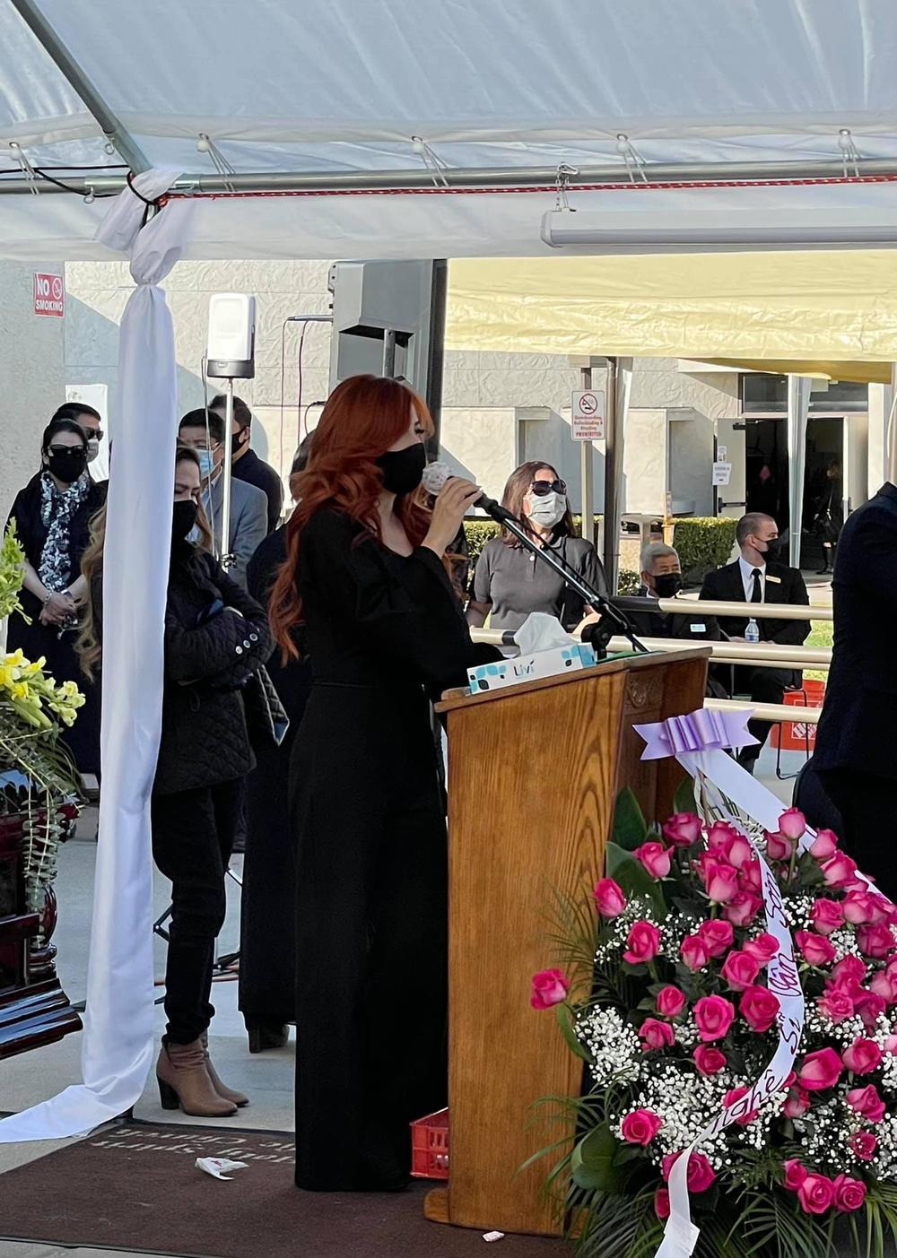 Trizzie Phương Trinh buồn bã chia sẻ về tang lễ NS Chí Tài: 'Rồi đây Bé Heo sẽ làm nũng với ai?' Ảnh 3